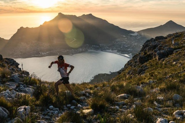 Ryan Sandes running at sunset near Table Mountain © Dean Leslie/ The Wandering Fever