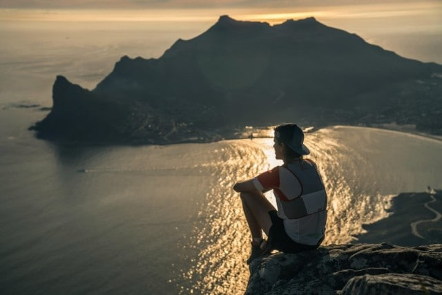 Ryan Sandes atop Cape Town's Table Mountain © Dean Leslie/ The Wandering Fever